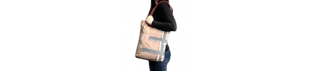 Tienda online de bolsos vintage.